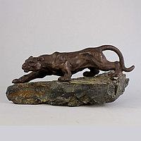 """Скульптура """"Барс"""". Чугун, камень."""