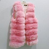 Меховая жилетка, розовая.