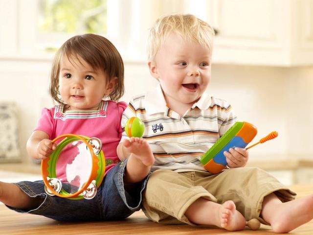 Игрушка для малышей до 3 лет