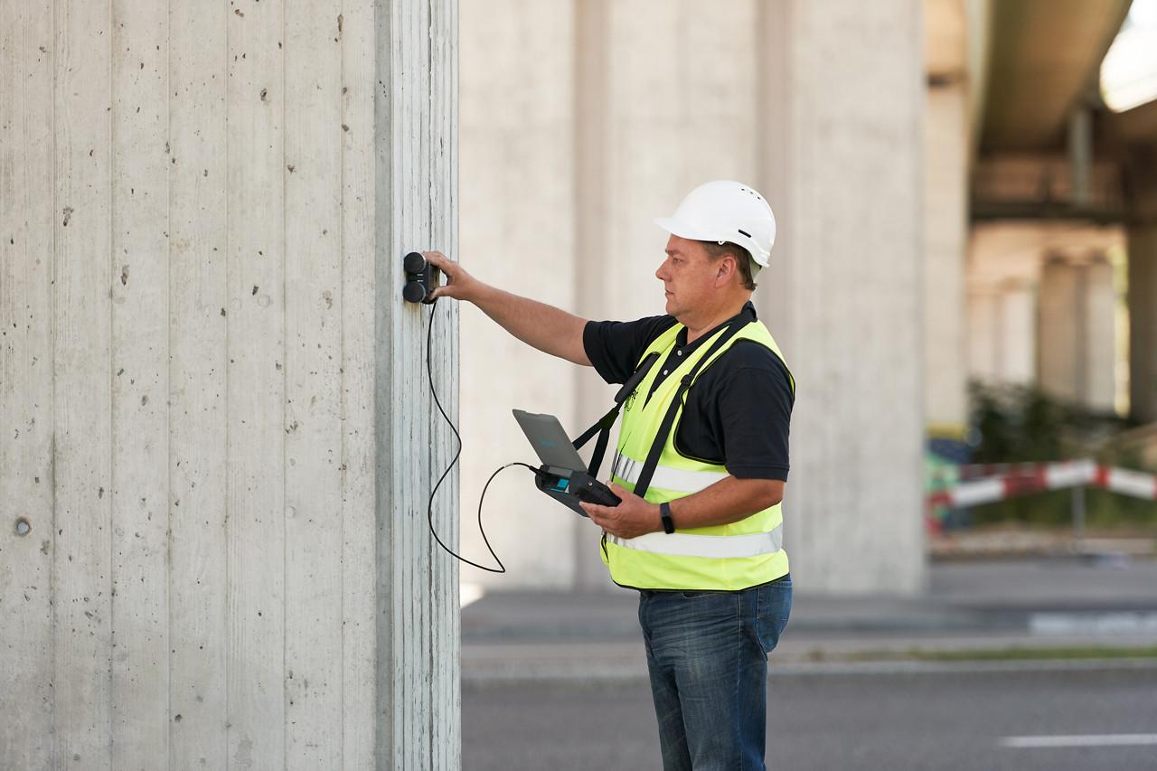 Прибор для измерения защитного слоя бетона и поиска арматуры Proceq Profometer 630 AI