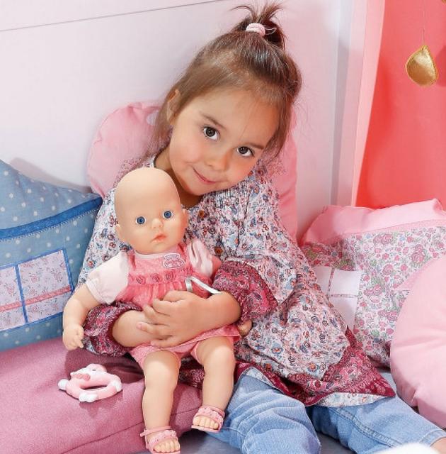 Куклы и пупсы.