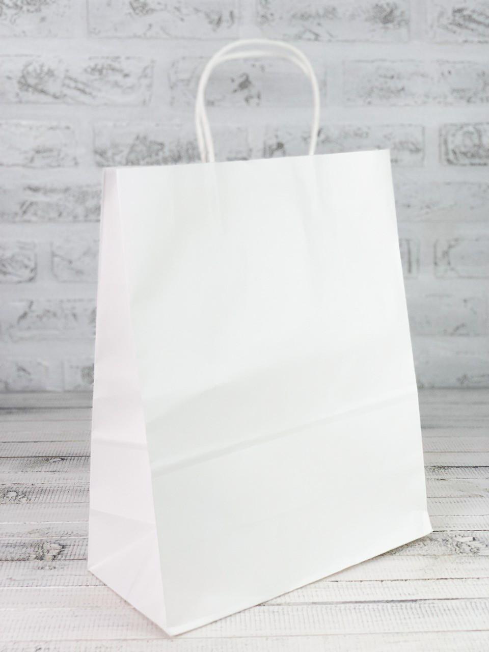 Белый бумажный крафт-пакет.