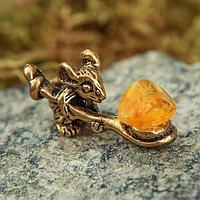Сувенир кошельковый «Мышка с полной ложкой», с натуральным янтарём