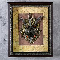 Изделие в раме, багет золото узор, геральдика со щитом, на карте мира, 37х45 см