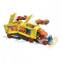 Набор машин Hot Wheels Crashing Rig (GCK39)