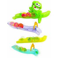 Игрушка PlayGo Игра Лягушонок на присоске 2410