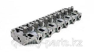 Головка блока на Hyundai R520LC, 4952832, 4003991.