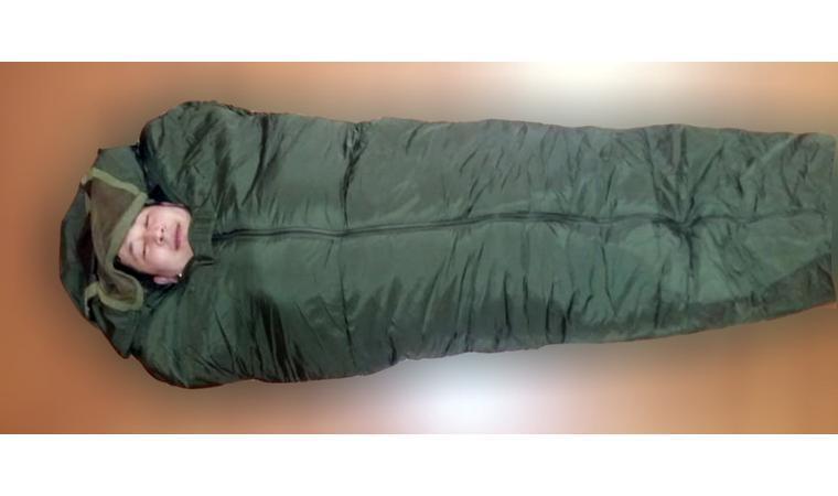 Спальник (спальный мешок) армейский всепогодный.