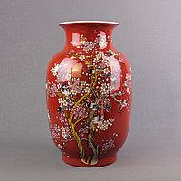 Красные китайские вазы.