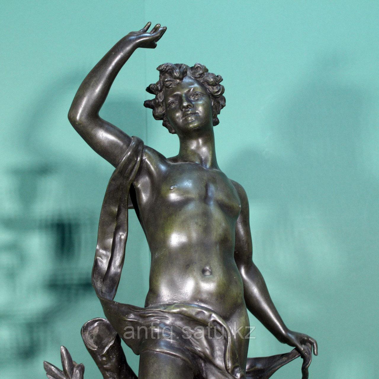Каминные часы в стиле Историзм Часовая мастерская S. Marti Скульптор Emile Bruchon (1806-1895) - фото 4