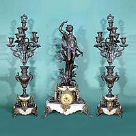 Каминные часы в стиле Историзм Часовая мастерская S. Marti Скульптор Emile Bruchon (1806-1895)