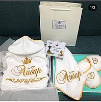 Махровый халат , лицевое полотенце и тапочки