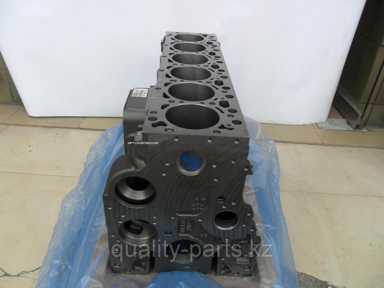 Блок цилиндров двигателя на Case CX240 (4HK1, 6BG, 6CTAA) Кейс