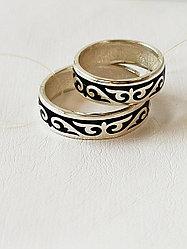 Кольцо обручальное / черная эмаль / размеры с 16 - 22