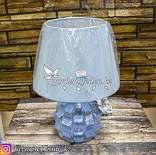 Светильник настольный с декором. Материал: Керамика/Пластик. Цвет: Голубой.