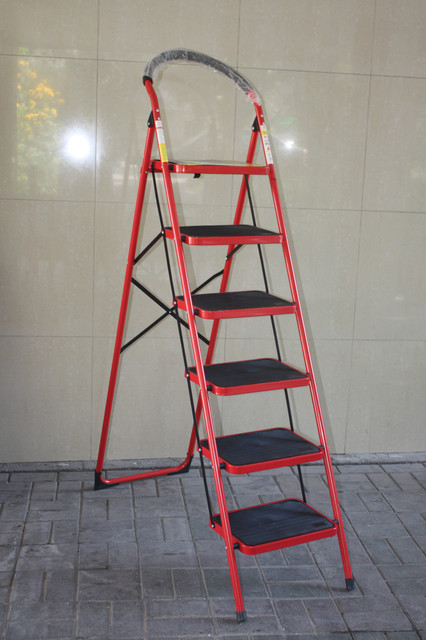 Лестницы-стремянки, тележки хозяйственные