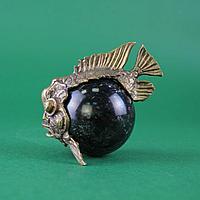 Рыба пиранья. Натуральный камень