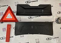 Обшивка багажника с аварийным знаком Гранта FL, фото 1