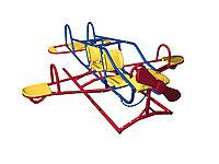 Балансир в виде самолёта, с сидениями