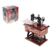 """Машинка швейная шкатулка """"Классика"""", световые, звуковые эффекты, работает от батареек"""