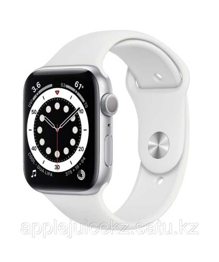 Apple Watch Series 6, 40 мм, корпус из алюминия серебристого цвета, спортивный ремешок белого цвета
