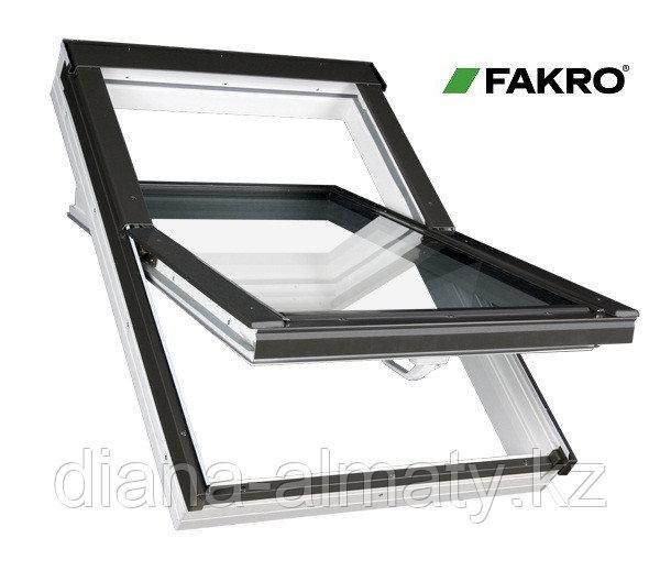 Пластиковое белое мансардное окно 78х118 PTP U3 FAKRO в комплекте с окладом для металлочерепицы