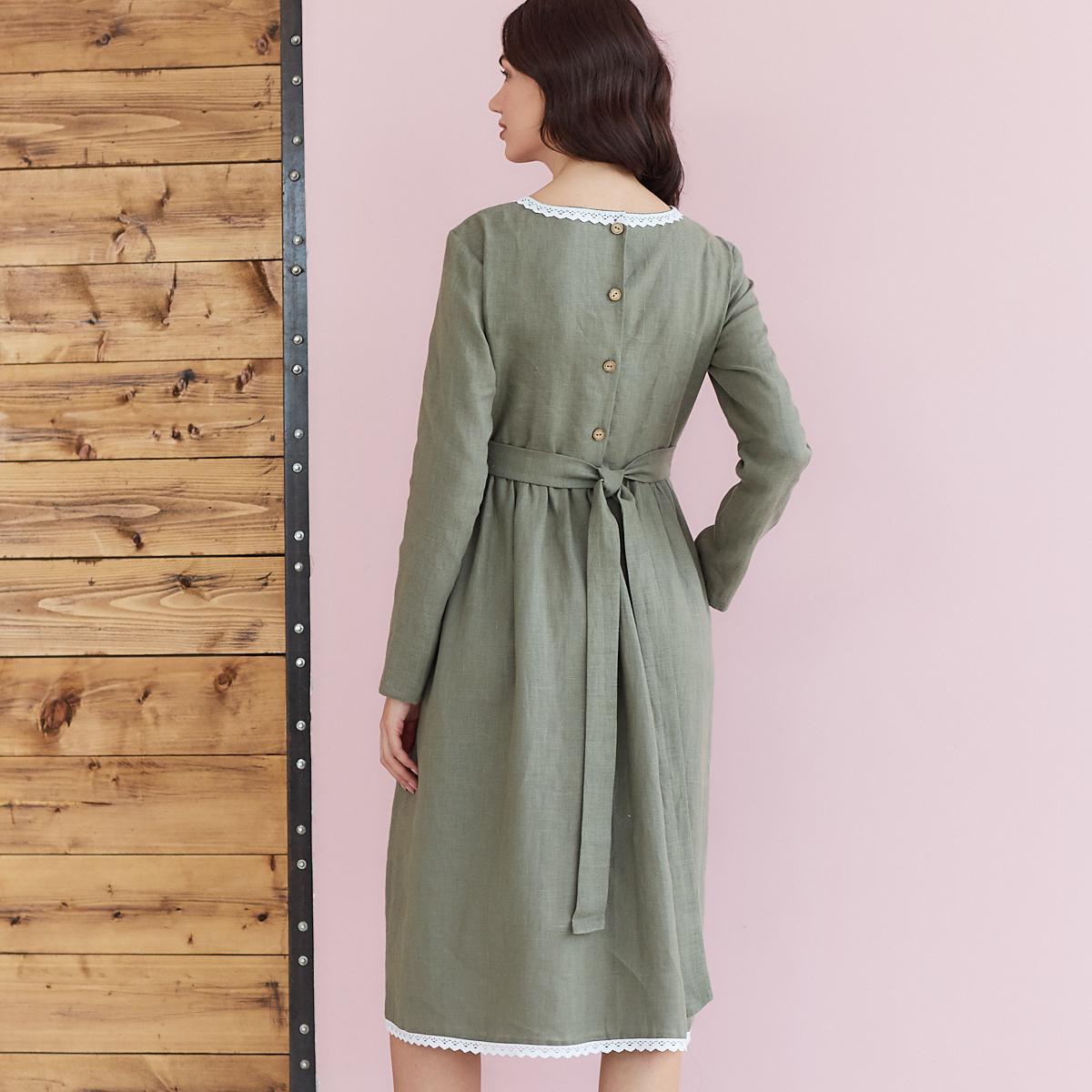 Платье женское льняное с хлопковым кружевом оливкового цвета - фото 4
