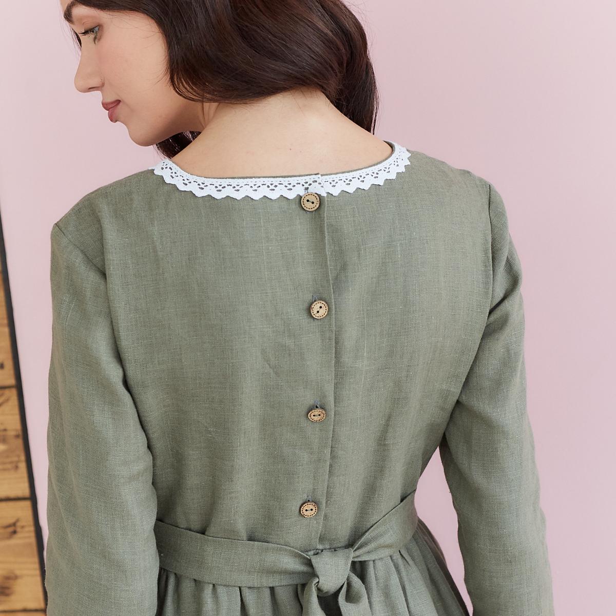 Платье женское льняное с хлопковым кружевом оливкового цвета - фото 5
