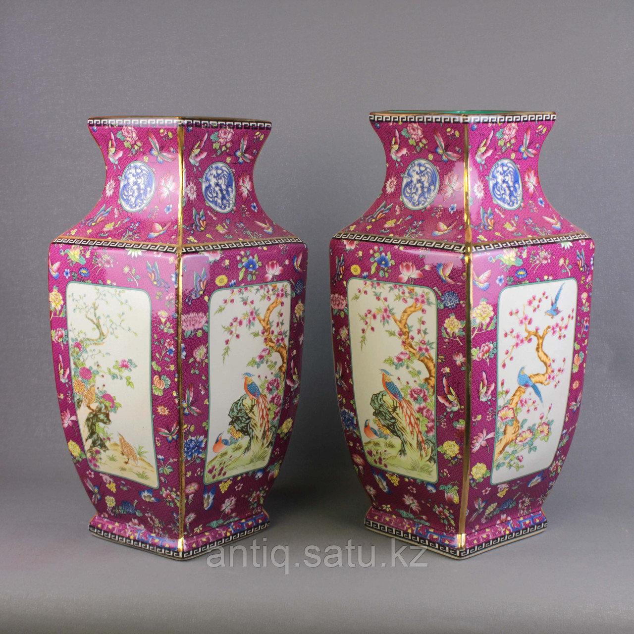 Бордовые вазы с бабочками. - фото 1