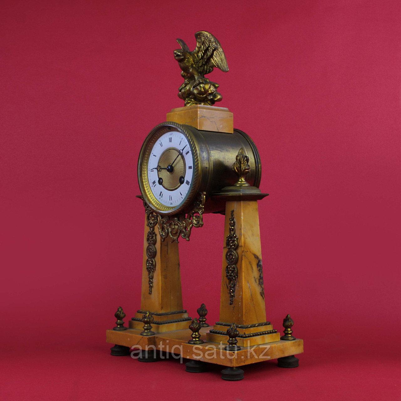 Часовой гарнитур в стиле Людовика XVI Франция. II половина XIX века - фото 2