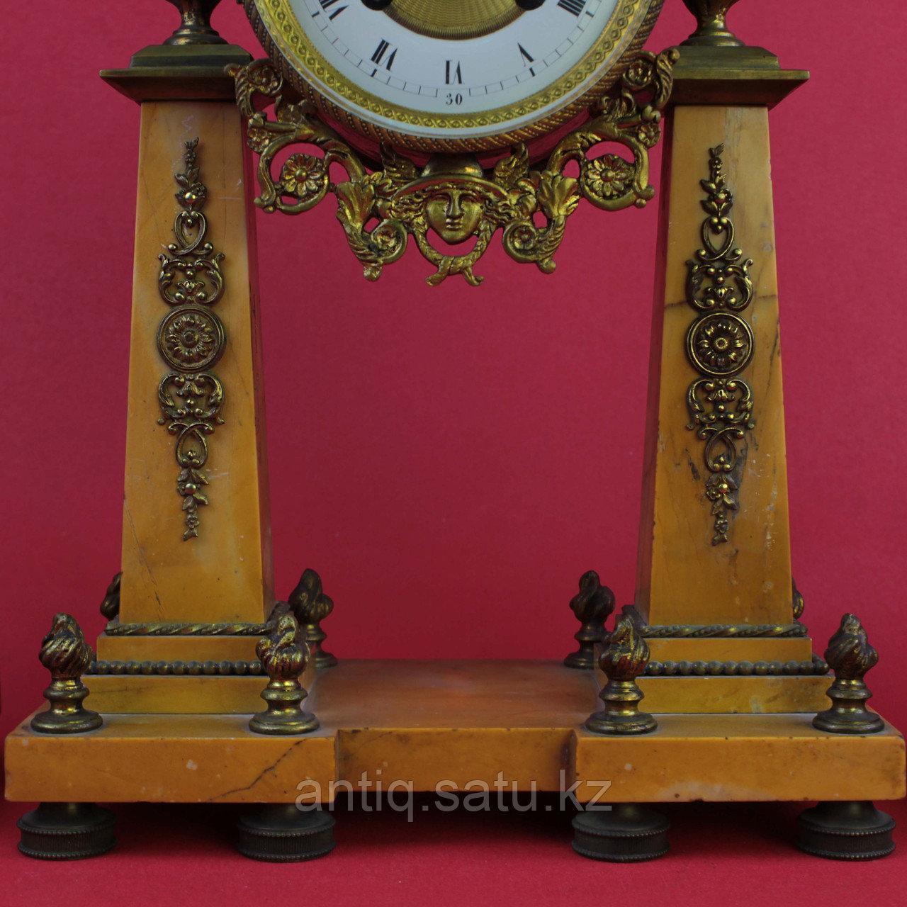 Часовой гарнитур в стиле Людовика XVI Франция. II половина XIX века - фото 5