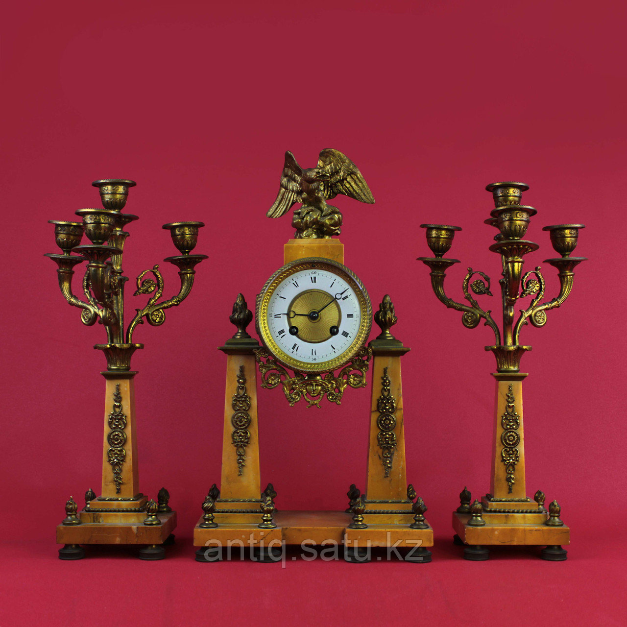 Часовой гарнитур в стиле Людовика XVI Франция. II половина XIX века - фото 1