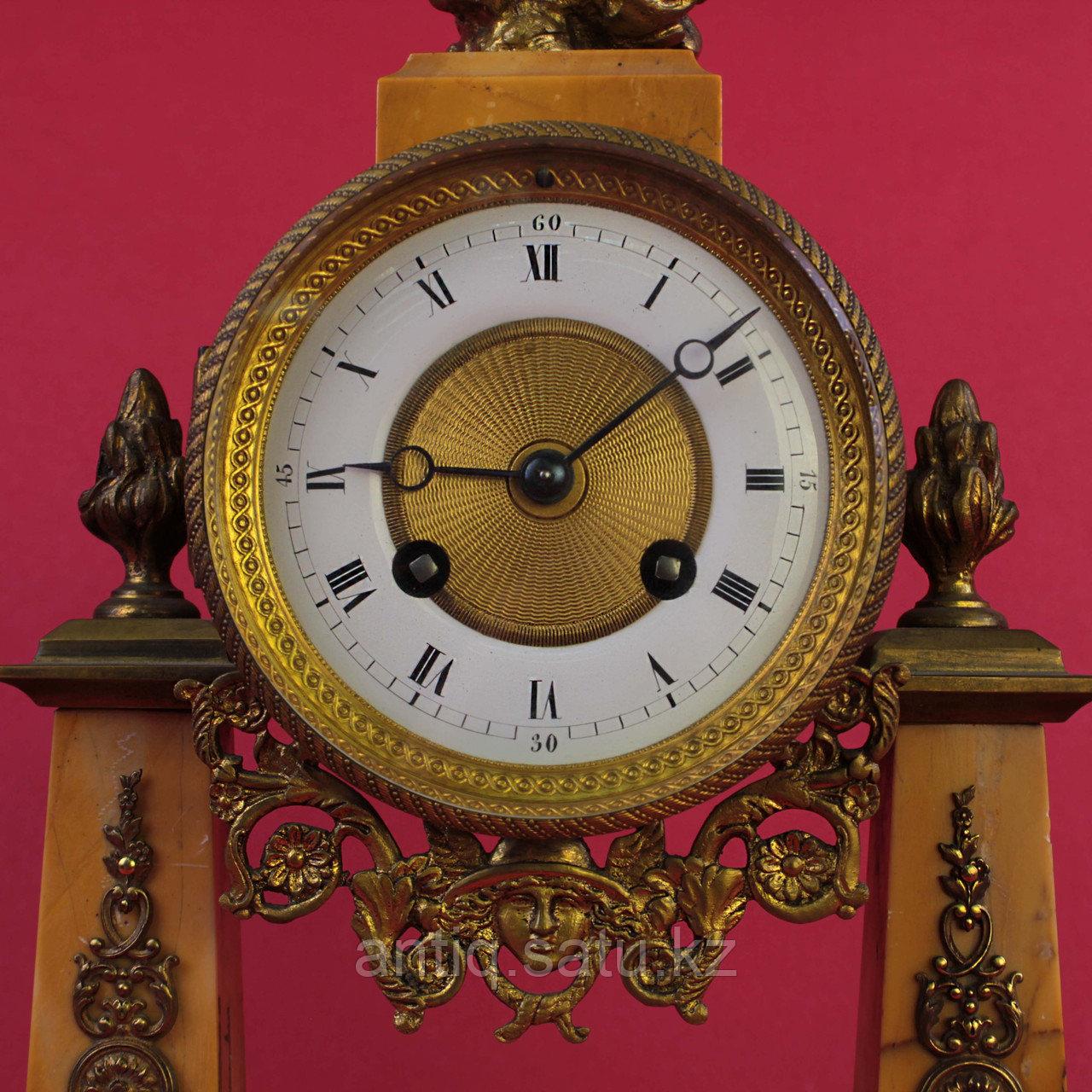 Часовой гарнитур в стиле Людовика XVI Франция. II половина XIX века - фото 4