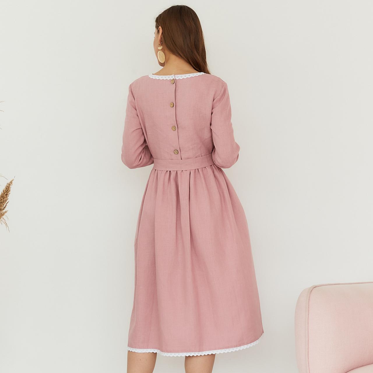 Платье женское льняное с хлопковым кружевом пыльно-розового цвета - фото 2