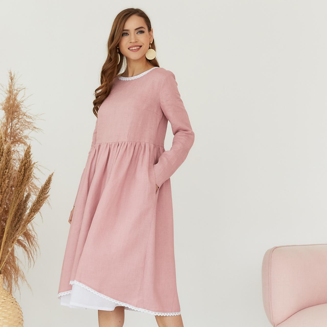 Платье женское льняное с хлопковым кружевом пыльно-розового цвета - фото 3