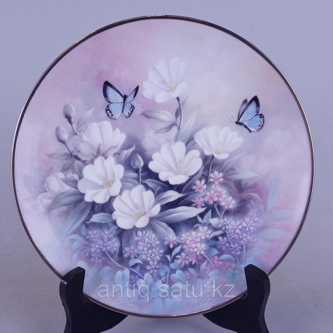Коллекционные настенные тарелки серии « Драгоценности из мира цветов» Художник Tan Chun Chio - фото 1