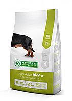 Сухой корм для собак мелких пород Nature's Protection Mini Adult Poultry with krill (мясо птицы с крилем)