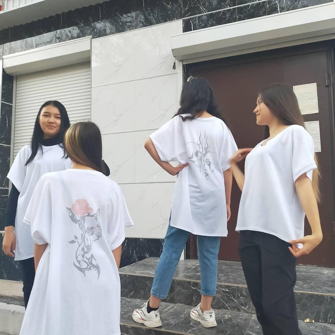 Белые футболки оверсайз - фото 5