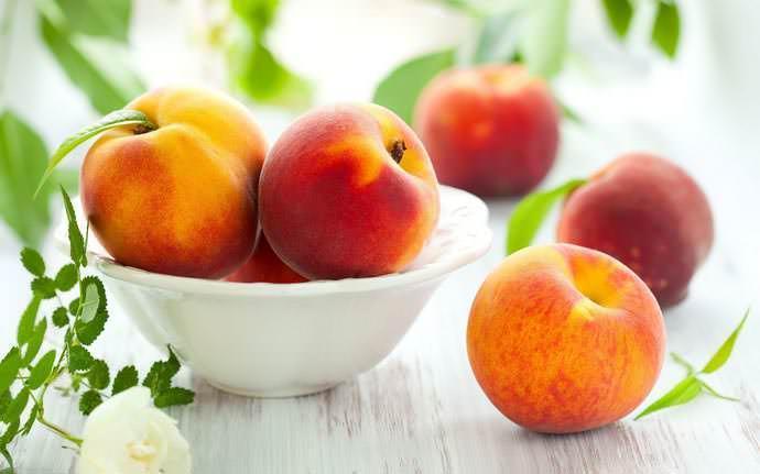 Персик сорт Фьюри