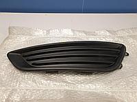 1865388 Решётка в бампер левая для Ford Focus 3 2011-2019 Б/У