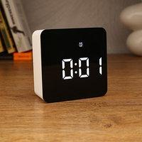 Часы-будильник электронные с календарём и термометром, 3 ААА, от USB, 10.5х10.5х4.5 см