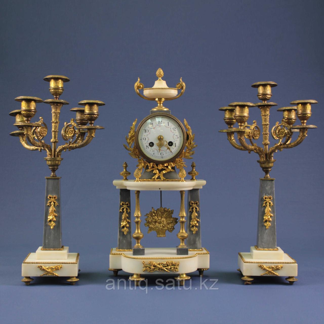 Кабинетный часовой гарнитур в стиле Людовика XVI. 1855 год. Часовая мастерская Vincenti - фото 1