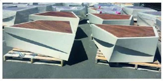 Скамейка из мраморного камня с деревянным настилом, модель: Aregam