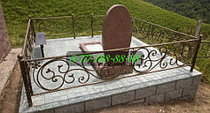 Оградки на кладбище 1