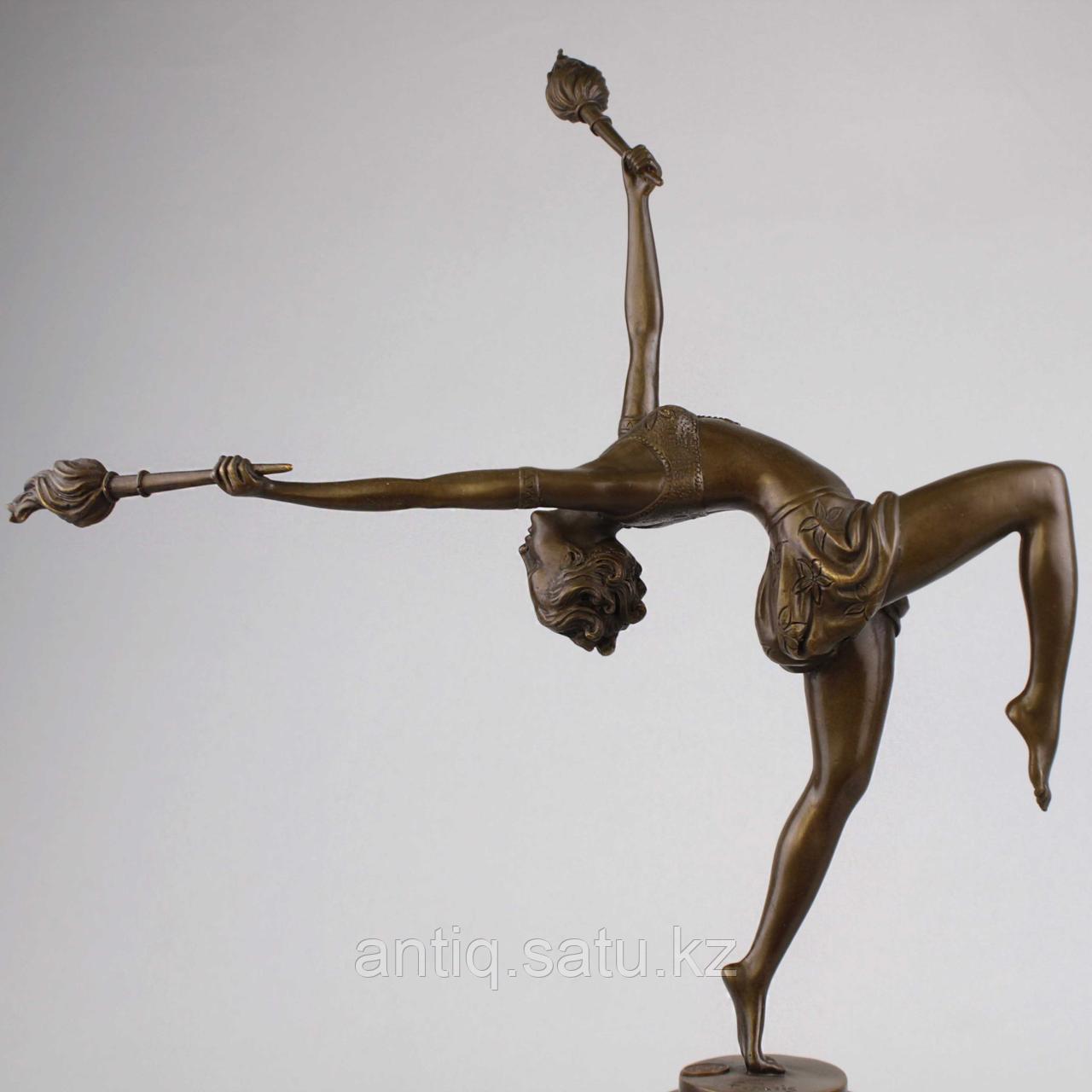 Танцовщица с факелами По модели всемирно известного французского скульптора Ferdinand Preiss (1882-1943) - фото 5