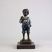 Танцовщица с обручем. По модели французского скульптора Demetre H. Chiparus