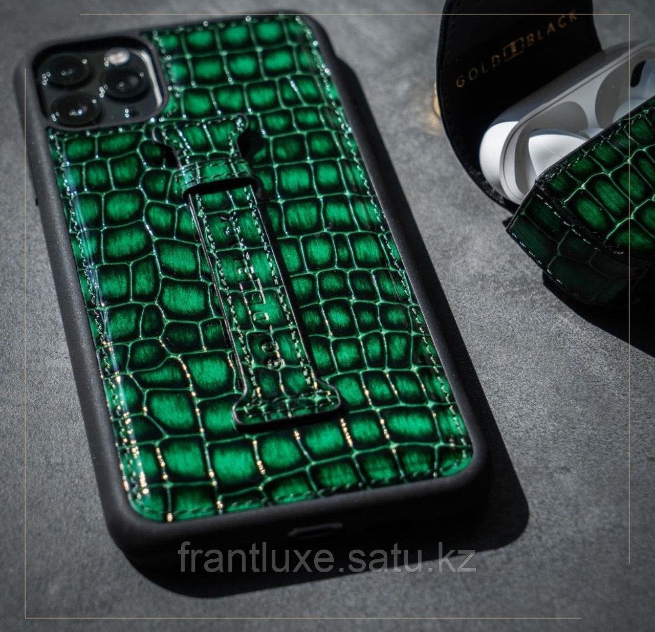 Чехол для телефона iPhone 12 Pro Max с ремешком-держателем зелёный - фото 6