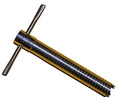 Ввёртыш в лёд (нержавеющая сталь), обрезиненная ручка.