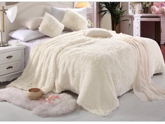 Плед -покрывало/ травка, размер 2,0 спальный, цвет белый