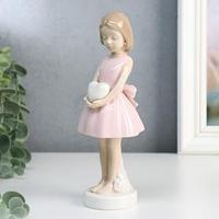 Сувенир керамика 'Девочка в розовом платье с бантом, в руках сердце' 18х7,3х7,3 см